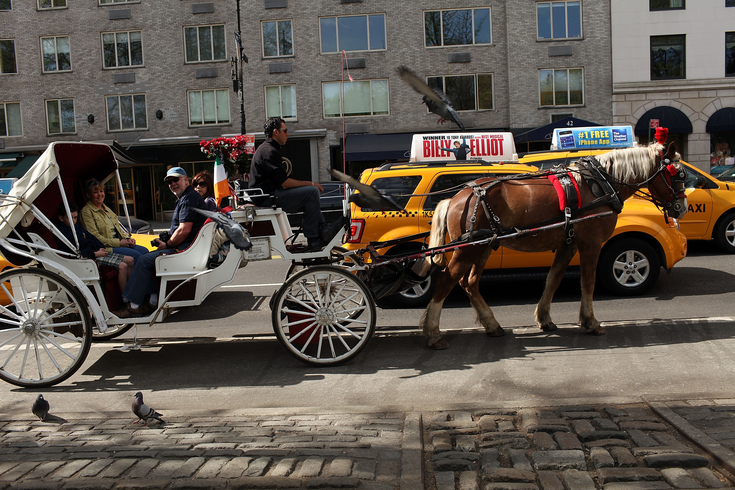 A horse-drawn carriage outside Central Park. (Photo: Spencer Platt for Getty Images)