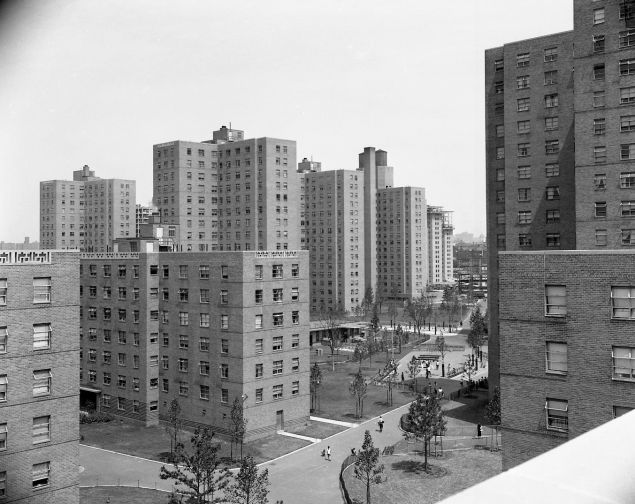 Affordable housing units in East Harlem in the 1950s. (La Guardia and Wagner Archives, La Guardia Community College/The City University of New York, courtesy of the New York City Housing Authority)