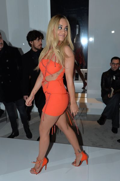 Rita Ora in Atelier Versace Spring 2016 (Photo: Miguel Medina/AFP/Getty Images).