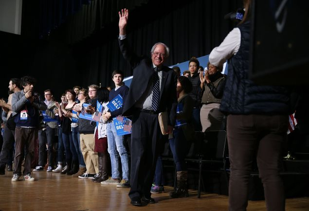 DES MOINES, IA - JANUARY 28: Democratic presidential candidate Sen. Bernie Sanders (I-VT) waves as he leaves after holding a forum at Roosevelt High School on January 28, 2016 in Des Moines, Iowa. The Democratic and Republican Iowa Caucuses, the first step in nominating a presidential candidate from each party, will take place on February 1. (Photo by Joe Raedle/Getty Images)