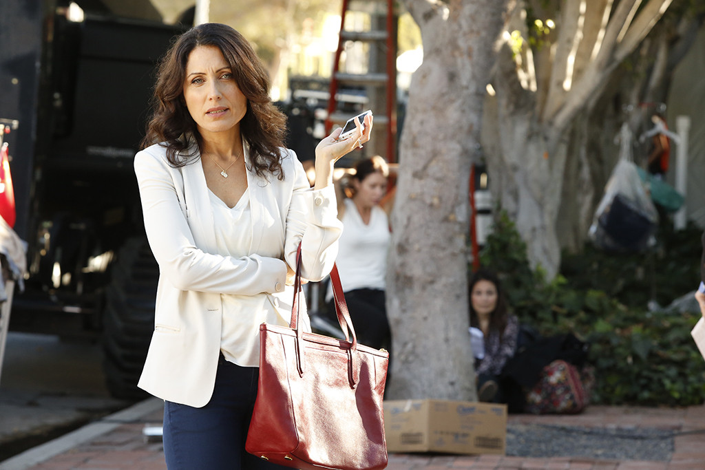 THE GIRLFRIENDS GUIDE TO DIVORCE -- %u201CRule #23: Never Lie To The Kids%u201D Episode 101 -- Pictured: Lisa Edelstein as Abby McCarthy -- (Photo by: Kelsey McNeal/Bravo)