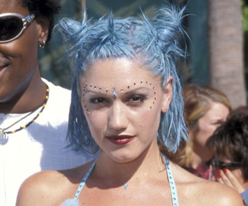 Ms. Stefani's bubblegum hair shades inspired the current pastel trends (Photo: 90s Gwen Stefani Tumblr).