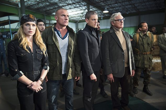"""DC's Legends of Tomorrow -- """"Pilot, Part 2"""" -- Image LGN102_20150917_0246b.jpg -- Pictured (L-R): Caity Lotz as Sara Lance/White Canary, Dominic Purcell as Mick Rory/Heat Wave, Wentworth Miller as Leonard Snart/Captain Cold and Victor Garber as Professor Martin Stein -- Photo: Diyah Perah/The CW -- © 2015 The CW Network, LLC. All Rights Reserved."""
