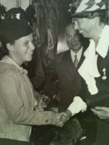 Jean Appleton, left, with Eleanor Roosevelt. (Photo courtesy of Ryna Appleton-Segal)