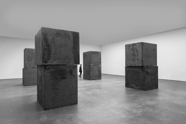 Equal (2015) by Richard Serra joined the Museum of Modern Art. (Photo: Richard Serra: Equal, David Zwirner, New York, 2015/Cristiano Mascaro. © 2015 Richard Serra/Artists Rights Society (ARS))