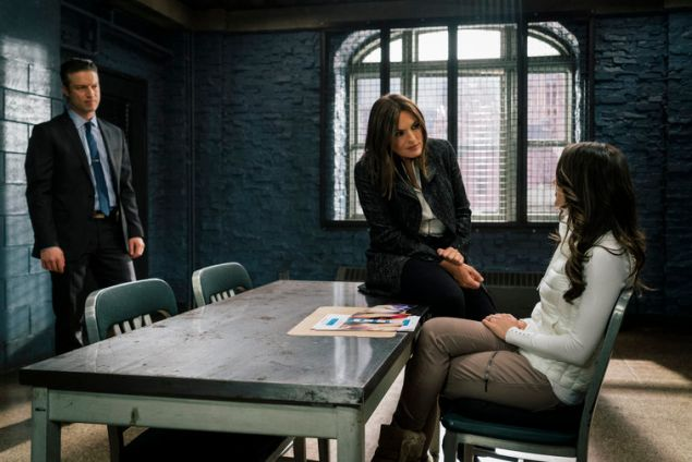 """LAW & ORDER: SPECIAL VICTIMS UNIT -- """"Catfishing Teacher"""" -- Pictured: (l-r) Peter Scanavino as Dominick """"Sonny"""" Carisi, Mariska Hargitay as Lieutenant Olivia Benson -- (Photo by: Michael Parmelee/NBC)"""