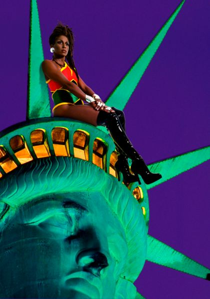 Chillin with Liberty by Renee Cox. (Photo: Courtesy of the artist)