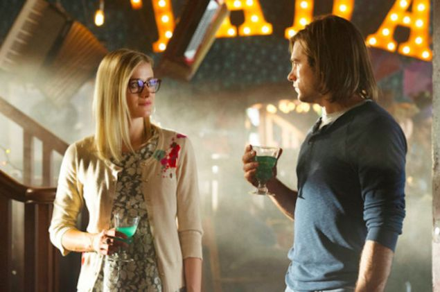Olivia Taylor Dudley as Alice and Jason Ralph as Quentin in The Magicians.