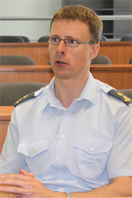 Estonian Air Force Supreme Commander Jaak Tarien is ashamed and embarrassed by the behavior of his fellow-Estonians.