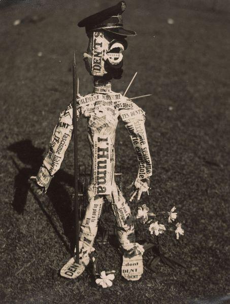 Claude Cahun, La Poupée (Puppet), 1936.