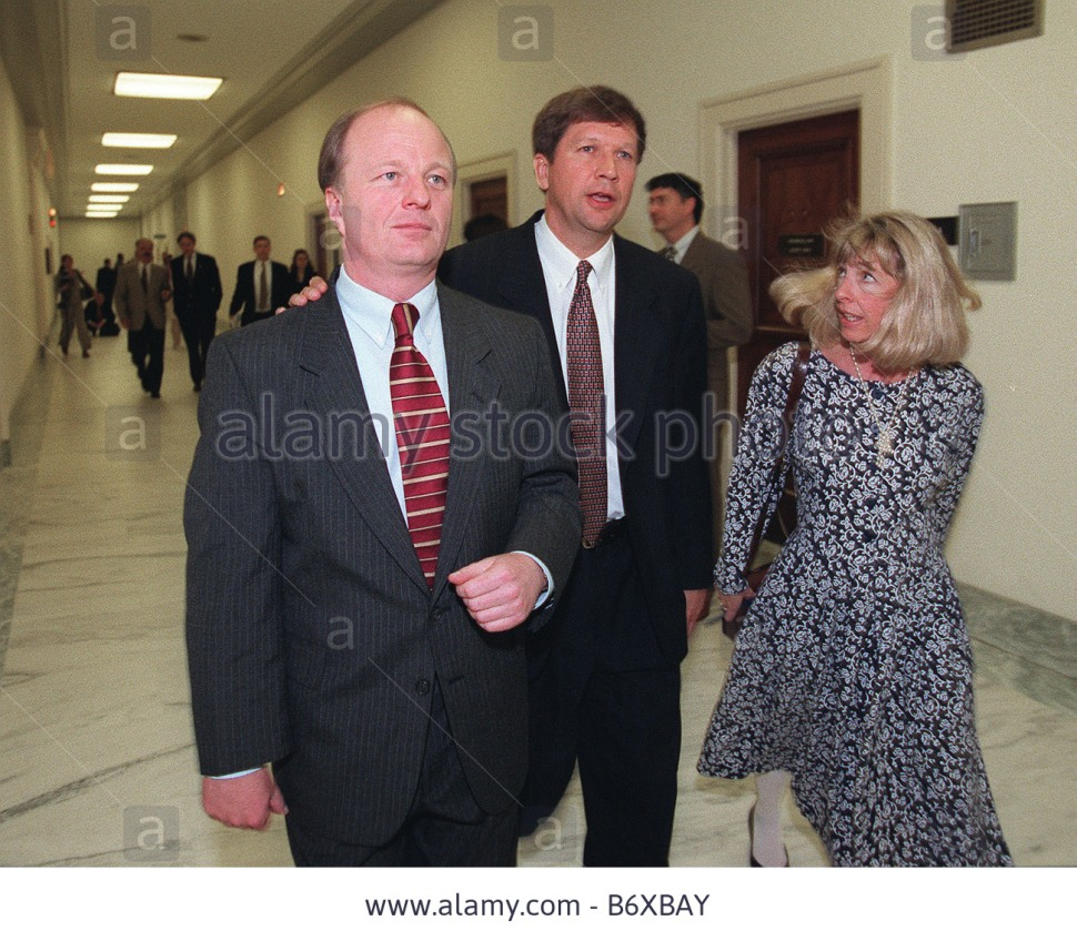 5/1/97 House Budget Chairman John Kasich, R-Ohio, right, and Bob Franks, R-N.J.,  arrive at 2141 Rayburn for GOP meeting on budget. CONGRESSIONAL QUARTERLY PHOTO BY DOUGLAS GRAHAM