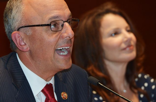 "Rep. Ted Deutch, D-FL, (L) and actress Fran Drescher take part in a discussion on environmental exposure to carcinogens before a film screening of a documentary titled ""Unacceptable Levels"" in the Capitol Visitors Center on September 19, 2013 in Washington, DC. (Photo credit should read MANDEL NGAN/AFP/Getty Images)"