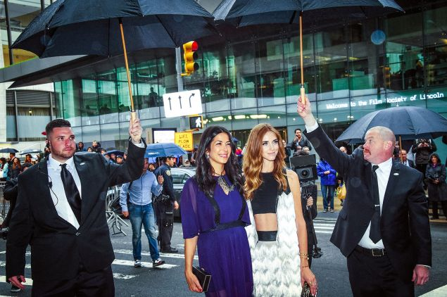 NEW YORK, NY - JUNE 01: (Editors Note: this image was altered using digital filters) Rebecca Minkoff (L) and Chiara Ferragni arrive at the 2015 CFDA Fashion Awards at Alice Tully Hall at Lincoln Center on June 1, 2015 in New York City. (Photo by Mike Coppola/Getty Images)