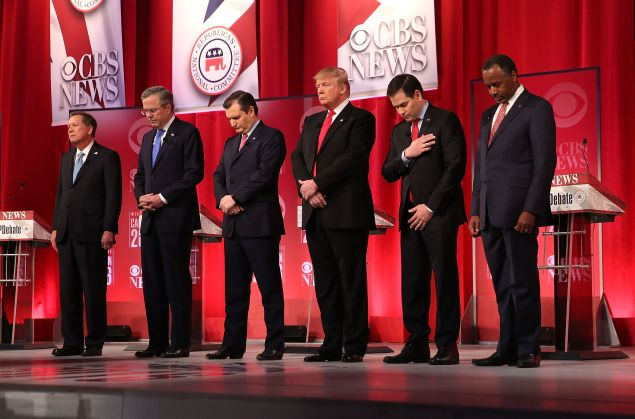 GREENVILLE, SC - FEBRUARY 13: Republican presidential candidates (L-R) Ohio Governor John Kasich, Jeb Bush, Sen. Ted Cruz (R-TX), Donald Trump, Sen. Marco Rubio (R-FL) and Ben Carson participate in a moment of silence for U.S. Supreme Court Justice Antonin Scalia, who has passed away today, during a CBS News GOP Debate February 13, 2016 at the Peace Center in Greenville, South Carolina. Residents of South Carolina will vote for the Republican candidate at the primary on February 20. (Photo by Spencer Platt/Getty Images)