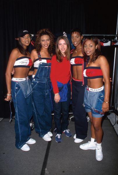 NEW YORK, UNITED STATES - JUNE 11: Scarlett Johannson, in the center - Destiny's Child- Tommy Hilfiger Tommy Jeans at Macy's. (Photo by Marion Curtis/The LIFE Picture Collection/Getty Images)