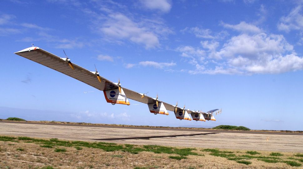 Helios Prototype flying wing moments after takeoff, beginning its first test flight on solar power from the U.S. Navy's Pacific Missile Range Facility on Kauai, Hawaii, July 14, 2001.