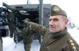 Retired General Ants Laaneots believes Moscow is behind the racial attacks on NATO troops in Estonia.