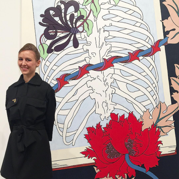 Caitlin Keogh and her painting Vines, 2015. (Photo: Courtesy of Instagram and @lizny3)