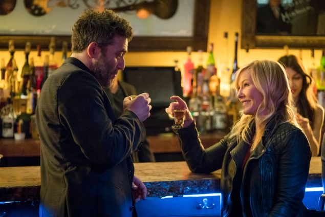 Craig Bierko as Bobby DiCecco and Kelli Giddish as Detective Amanda Rollins in Law & Order: SVU.