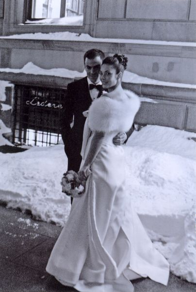 Adam and Kara Mendelsohn on their wedding day in 2004 (Photo: Courtesy).