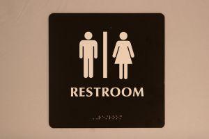 Mayor Bill de Blasio signed an executive order today mandating open bathroom access for transgender individuals