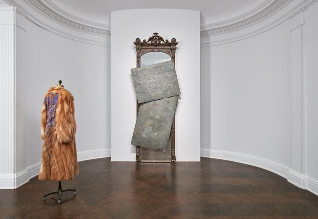 David Hammons, installation view at Mnuchin Gallery.