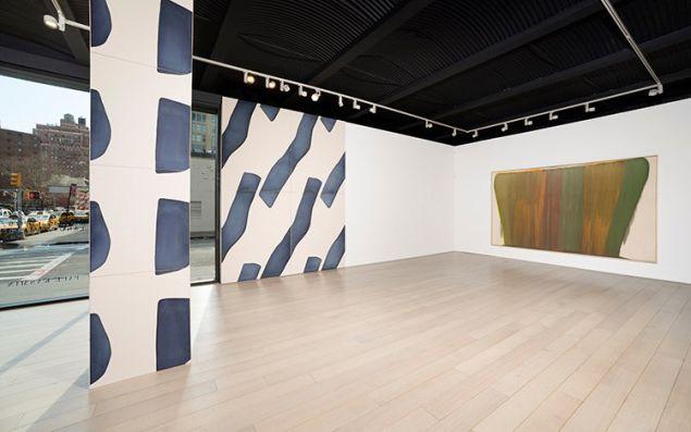 Installation view of Morris Louis/Landon Metz at Paul Kasmin Gallery, 2016.