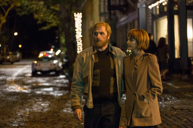 Matthew Rhys as Philip Jennings and Keri Russell as Elizabeth Jennings.