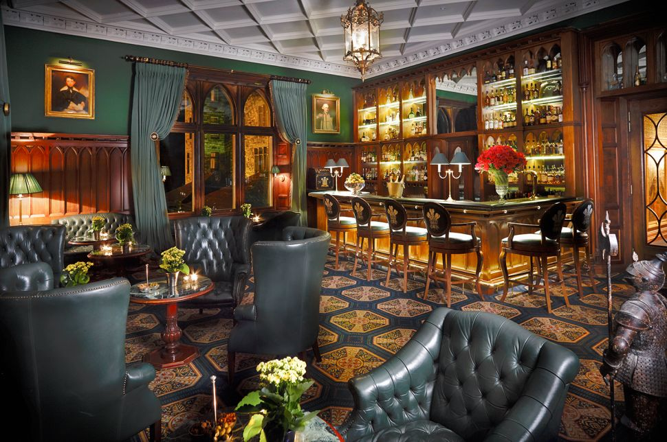 Prince of Wales Bar.