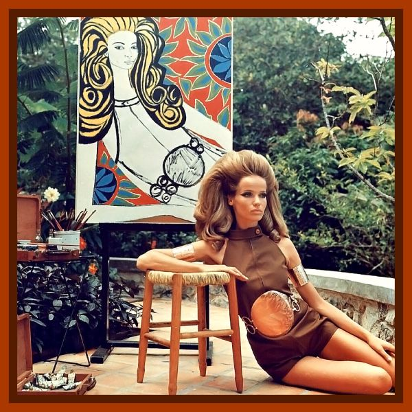 Veruschka poses for painter Genaro de Carvalho for a photo by Franco Rubartelli, 1968.