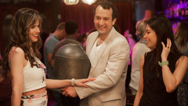 Tina (Amanda Peet) and Alex (Steve Zissis) of Togetherness.