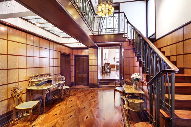 An impressive staircase for an impressive triplex.