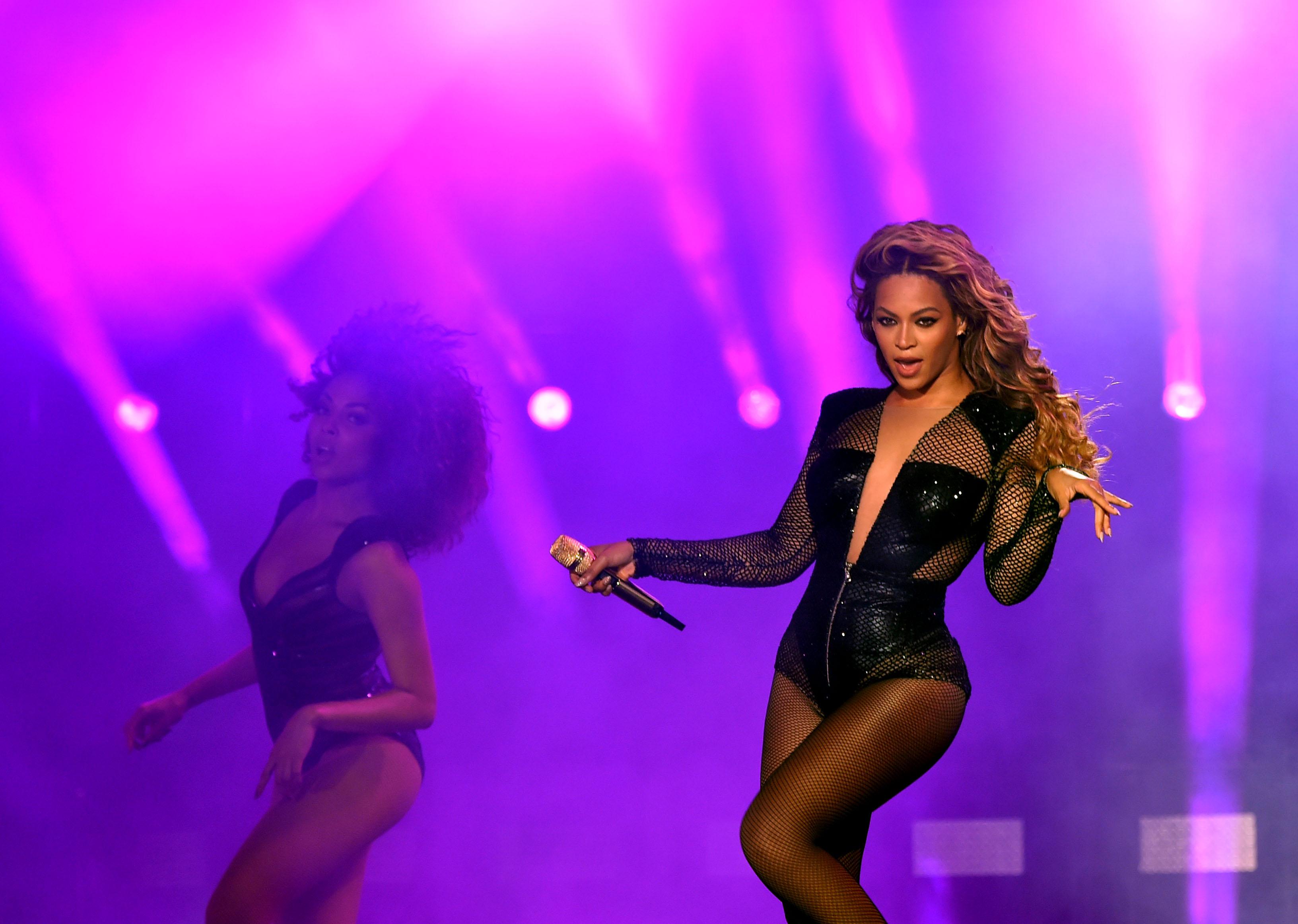 Beyonce James Bond Theme Song