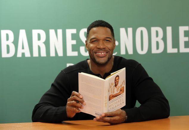 "Michael Strahan discusses his book, ""Wake Up Happy: The Dream Big, Win Big Guide to Accomplishing Your Goals"" at 92Y"