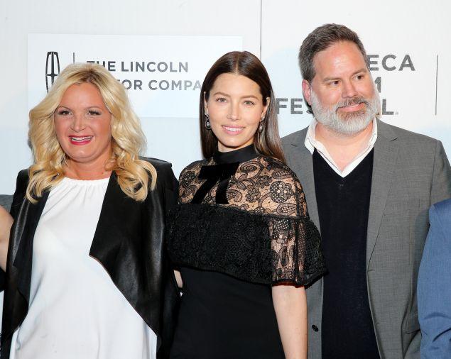 Michelle Purple, Jessica Biel, and Bill Purple at The Devil and the Deep Blue Sea premiere.