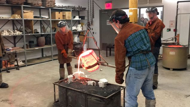 A class on glass blowing at PAFA.