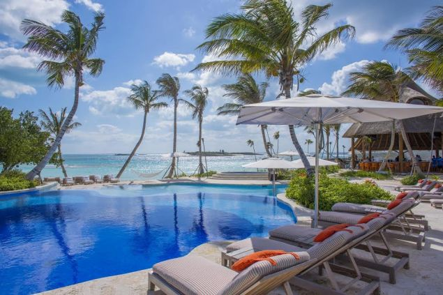 Gumelimi Cay has access to all the amenities of Baker's Bay.