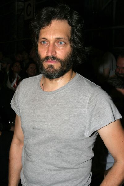 Indie filmmaker Vincent Gallo has parted ways with his Jean Novel-Nouvel-designed condo.
