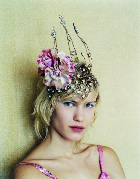 Vogue April 2002, Corrine Day