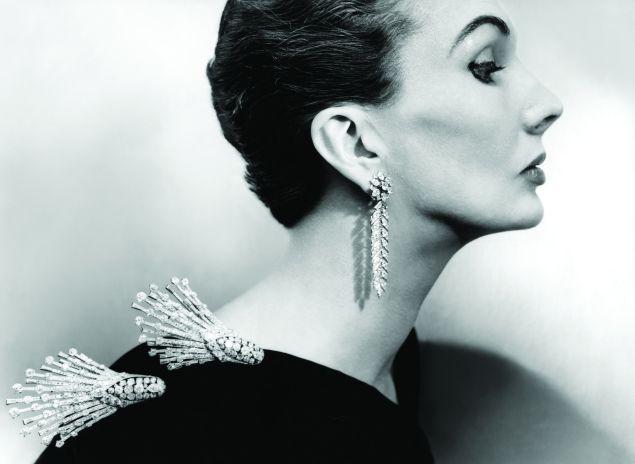Vogue December 1951, Anthony Denneyv