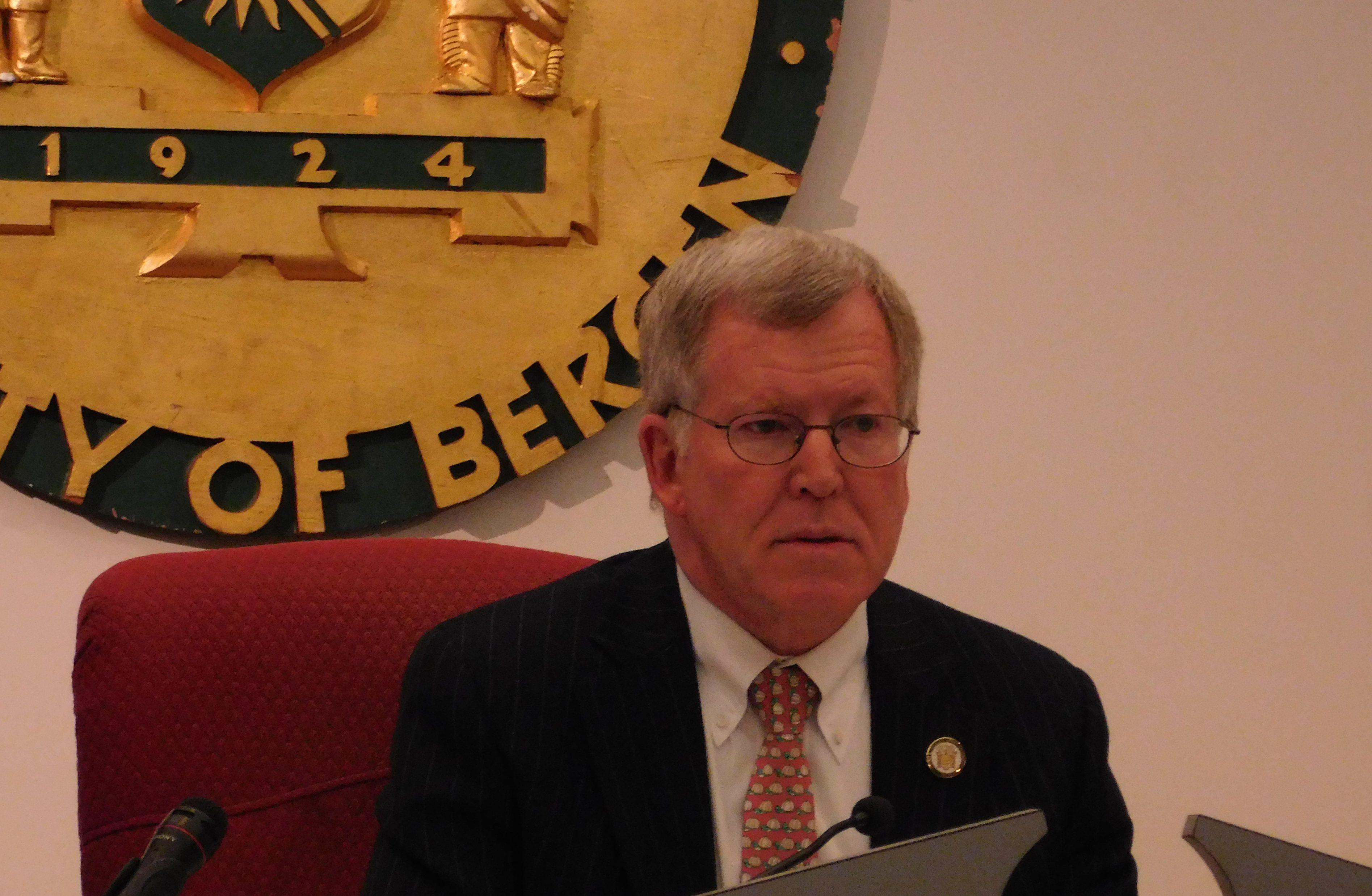 Senator Bob Gordon is the chairman.