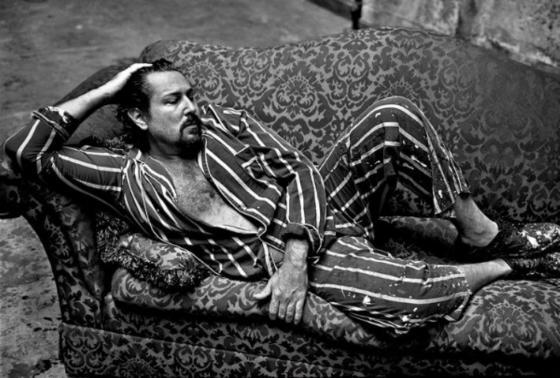 Annie Liebovitz's 1995 portrait of Julian Schnabel for Rolling Stone.