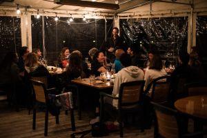 Filmmakers schmooze over lobster dinner.