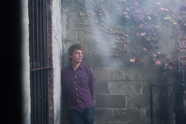 Steve Gunn, spacin' out.
