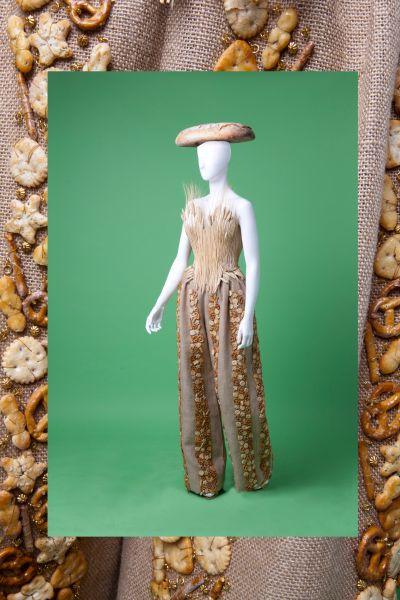 """""""Bread"""" dress by Gattinoni Couture"""