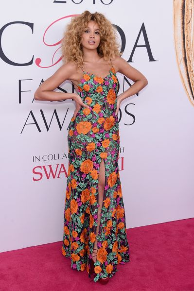 Lion Babe at the 2016 CFDA Fashion Awards