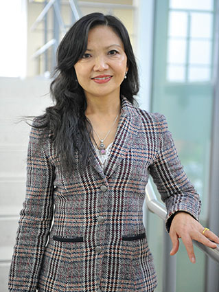 Professor Qing Wang, Photo: The University of Warwick