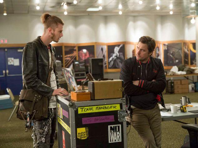 Colson Baker as Wes and Luke Wilson as Bill in Roadies.