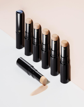 The perfect concealer to hide all your skin imperfections.