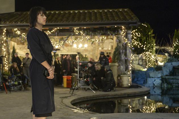 Constance Zimmer as Quinn.